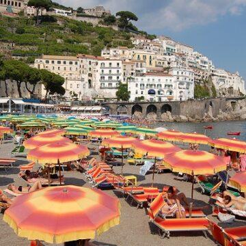Κορωνοϊός: Λουκέτο σε όλα τα club και τα beach bar της χώρας αποφάσισε η κυβέρνηση της Ιταλίας
